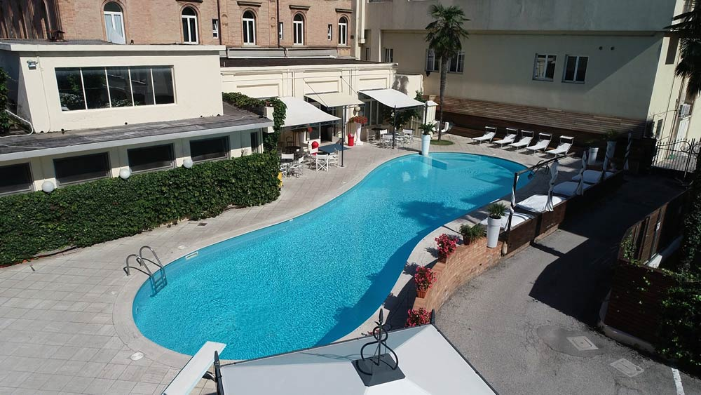 4 star hotel with swimming pool rimini plunge into the - 4 star hotels in lisbon with swimming pool ...