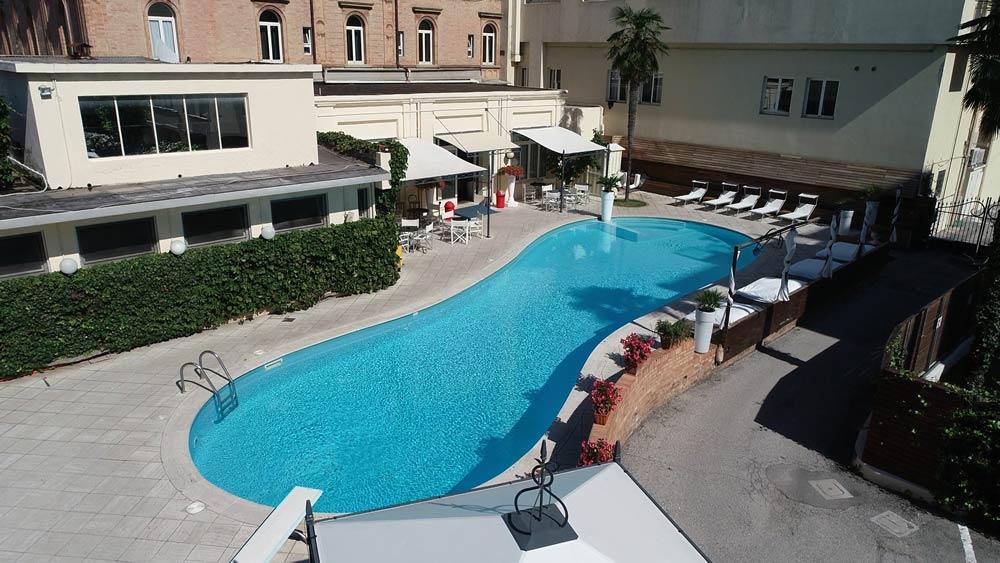 Awesome ... Tranquillité Et Lu0027intimité En Hôtel Avec Piscine à Rimini Marina  Centro, Tout En étant à Deux Pas De La Mer Et Des Rues Les Plus Mondaines  De La Ville.